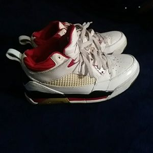 Shoes - Jordan Flights white, red & black